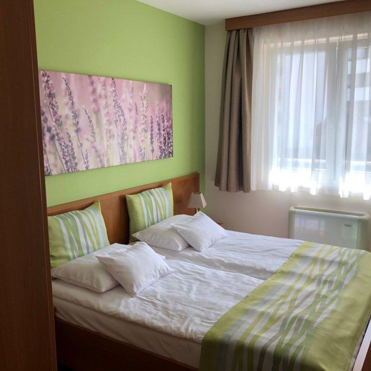 rosemary-apartmanok-lili-szoba-02