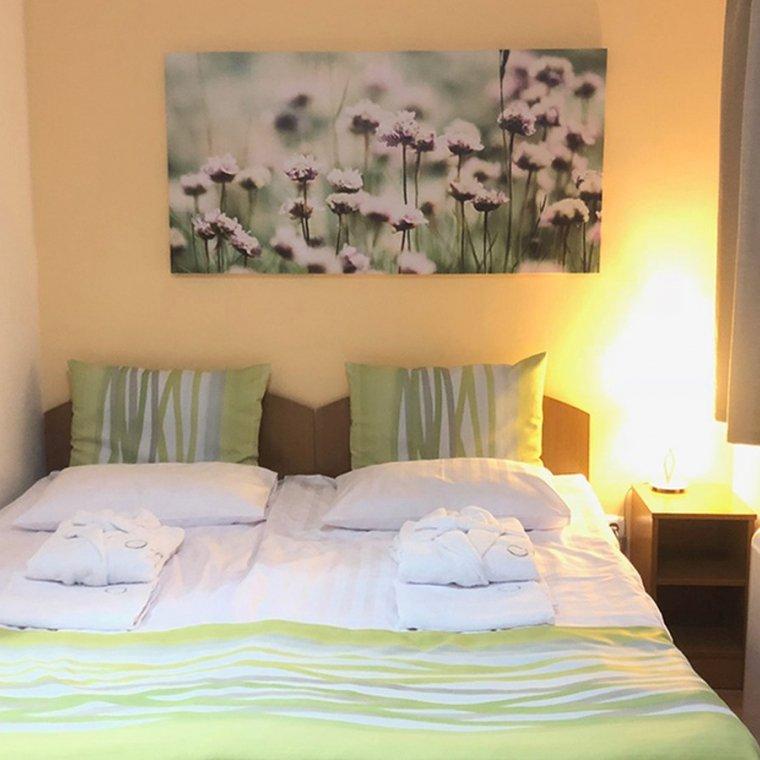 rosemary-apartmanok-mary-ii-szoba-01