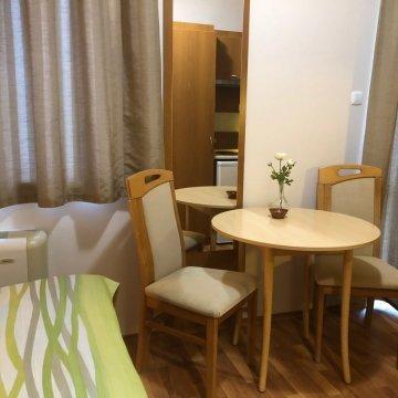 rosemary-apartmanok-mary-ii-szoba-07