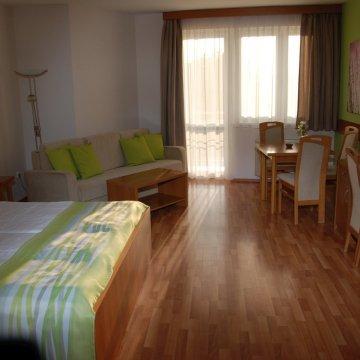 rosemary-apartmanok-rose-szoba-09