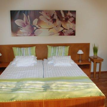 rosemary-apartmanok-rose-szoba-11